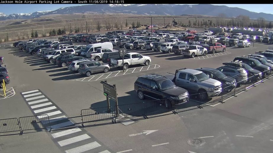 Airport parking lot Live Cam - Jackson, WY USA 🇺🇸 18
