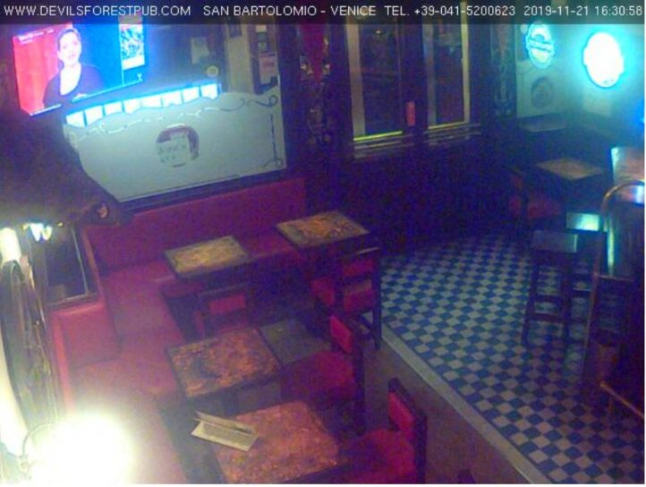 Devils Forest Pub Live Cam - Venice, Italy 🇮🇹 1