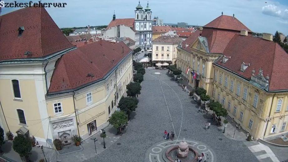Live Cam Hungary, Székesfehérvár Main Square 16