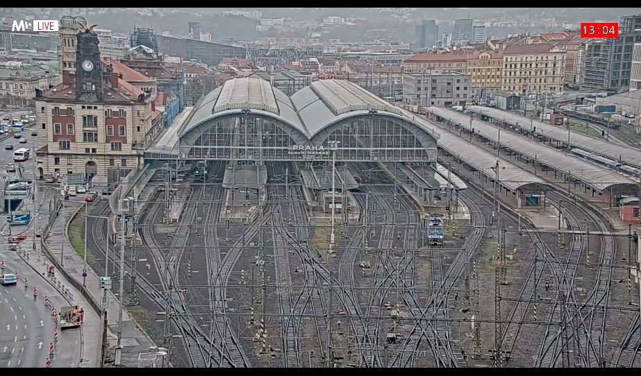 Live Cam Prague, Trains at Hlavák in Czech Republic 8