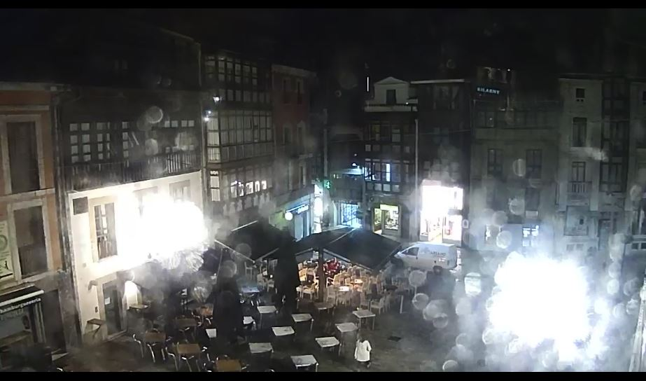 Live Cam Spain, Plaza Parres Sobrino, Llanes 14
