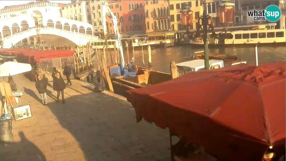 Live Cam Venice, Rialto Bridge, Italy 15