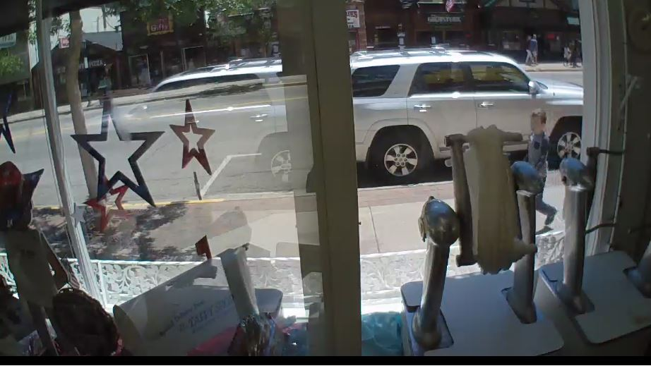 Taffy Shop Live Webcam