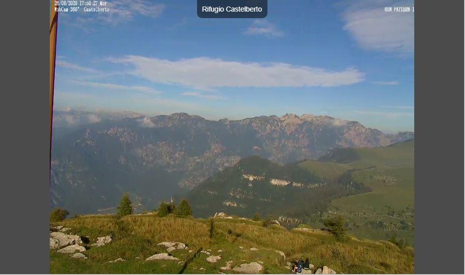 Rifugio Castelberto Live Webcam