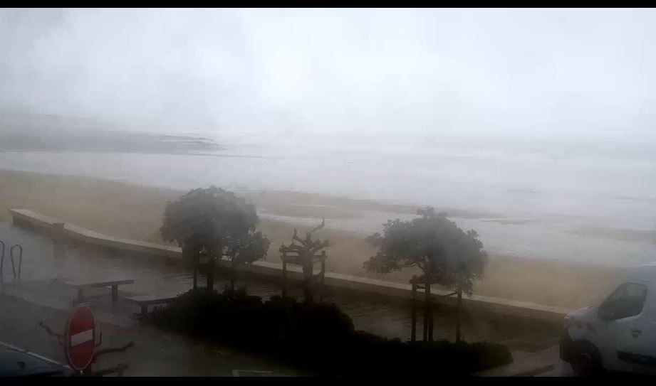 Amazing HD Les Sables-d'Olonne Live Webcam, France