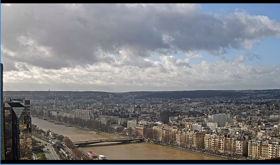 Amazing HD Paris Live Webcam, River Sine, France
